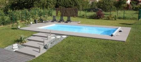 Eric piscines piscine coque polyester et b ton for Installation piscine coque