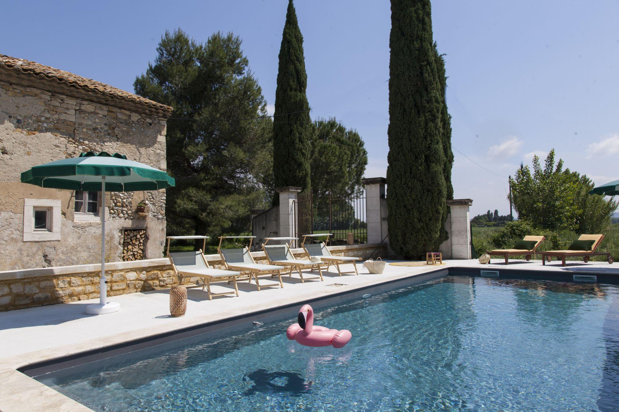 Construction Piscine Bagnols Sur Ceze eric piscines - piscine coque polyester et béton